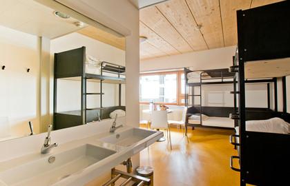 http://www.yha.org.hk/files/image/Auberge-de-Jeunesse-Paris-Yves-Robert02.jpg