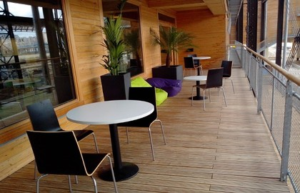 http://www.yha.org.hk/files/image/Auberge-de-Jeunesse-Paris-Yves-Robert03.jpg